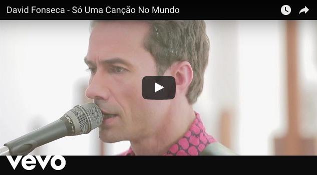"""'Só uma canção no mundo' es el último sencillo extraído de """"Futuro Eu"""", el gran álbum de David Fonseca de cuyo lanzamiento se acaba de cumplir un año."""