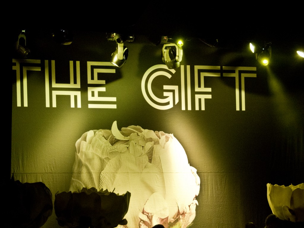Fotogalería The Gift